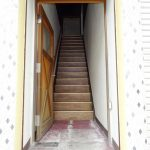 2階へ昇る階段