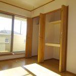 2階洋室の収納棚(内装)