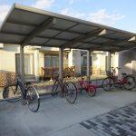 屋根付きの専用駐輪場