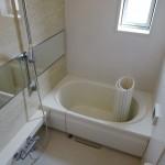 広いバスルーム、追い焚き機能、浴室乾燥付き
