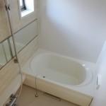 窓付き、追い焚き機能、浴室乾燥付き