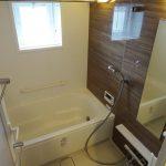 窓があるので、明るく、換気に最適です。浴室、暖房乾燥付き(風呂)