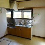 キッチン、換気に最適な窓付き(内装)