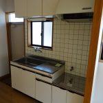 換気に最適な窓付きキッチン