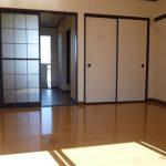 洋室8帖広いお部屋です。(内装)